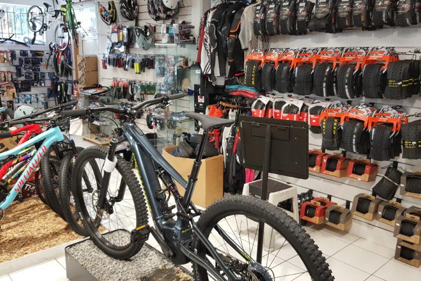 En Vélo Lanester À Carrer Spécialiste Offres Cycles Ville Le Du I8wHq